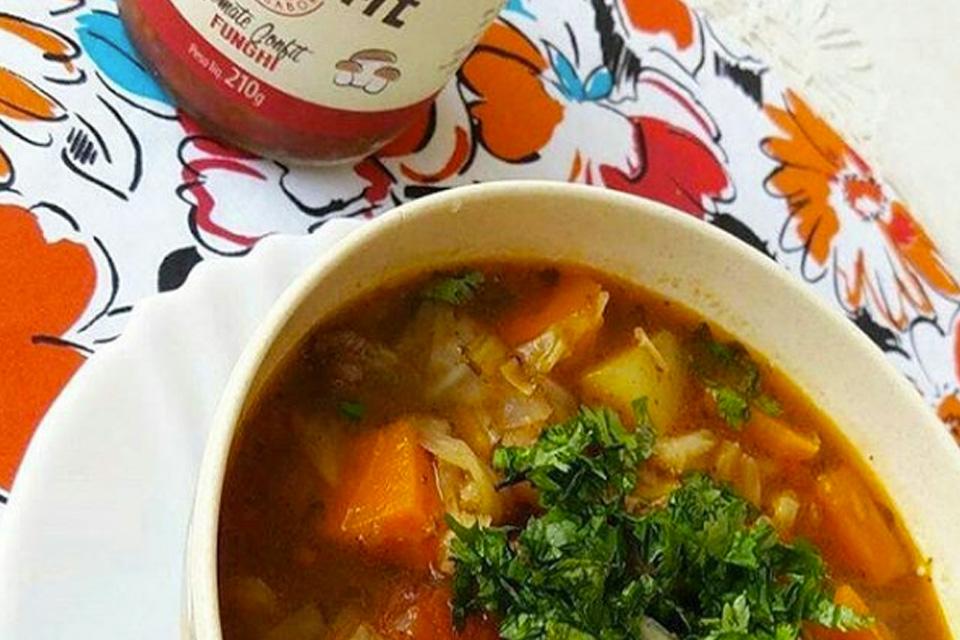 Sopa Fitness com Tomate Confit com Funghi